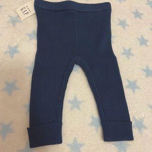 BNWT baby Gap legging. Cuffed ankle for 6-12 mos.